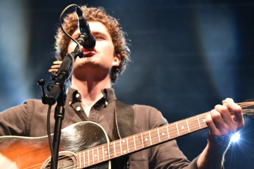 https://jessicamiller97.wordpress.com - Vance Joy 'Fire and Flood' Tour